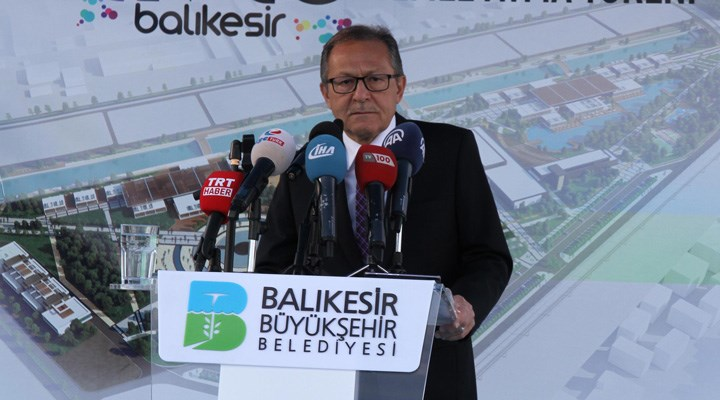 Ağlayarak istifa etmişti: Ahmet Edip Uğur hayatını kaybetti
