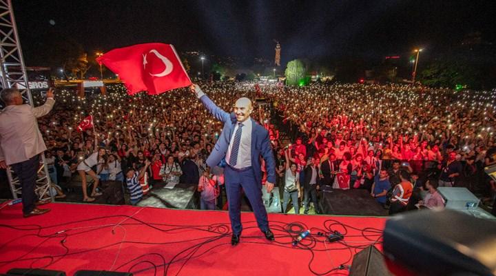 """Tunç Soyer'den 9 Eylül mesajı: """"99 yıldır eksilmeyen gurur ve heyecanla"""""""