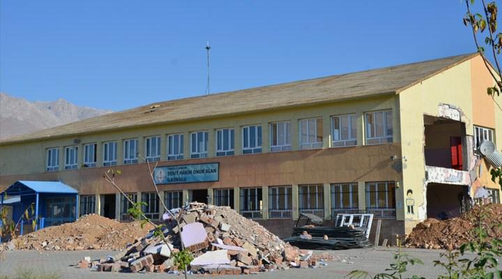 Ovacık'taki 5 okuldan 3'ü tadilatta