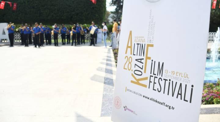 Altın Koza Film Festivali'nde ödüller verildi