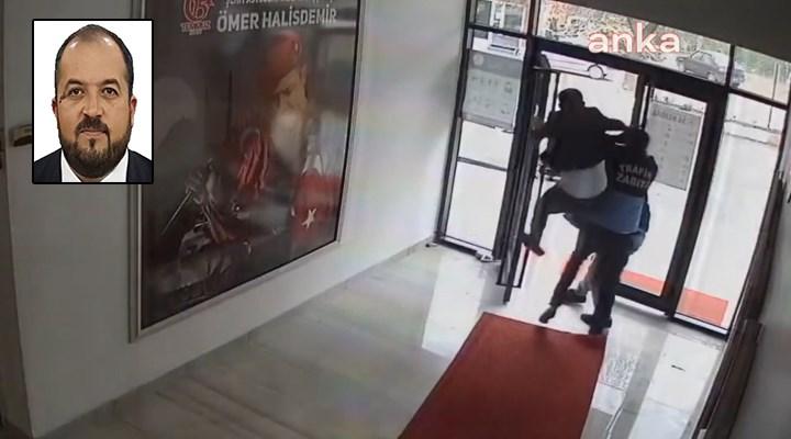 AKP'li belediye başkanının bir yurttaşı döverken çekilmiş görüntüsü ortaya çıktı