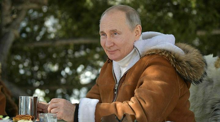 Kremlin: Putin iyi hissediyor, Sputnik V'nin yüksek etkili olduğu kanıtlandı