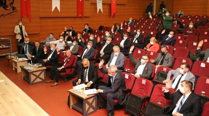 AKP'li üyeler, 'belediye meclisi canlı yayınlansın' teklifini reddetti