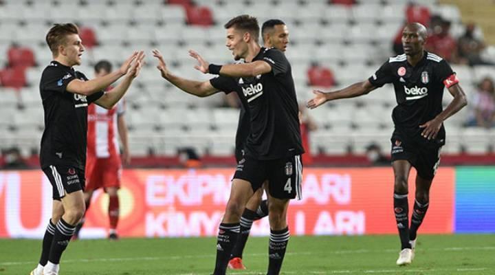Beşiktaş Antalya'yı 3-2 yendi