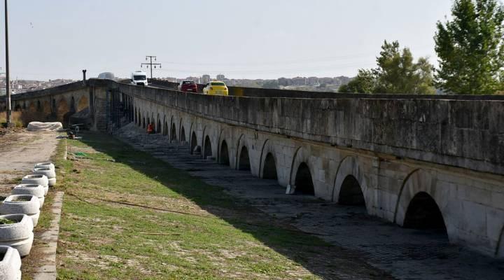 Tarihi Uzunköprü, trafiğe kapatılıp restorasyona alındı