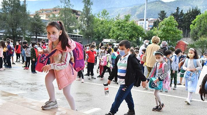 Bir haftada 872 okulda vaka çıktı