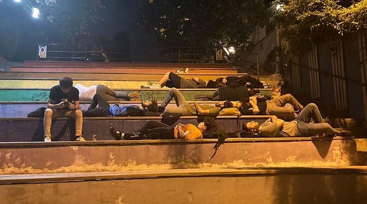 Polisten 'barınamayan' öğrencilerin ailelerine telefon