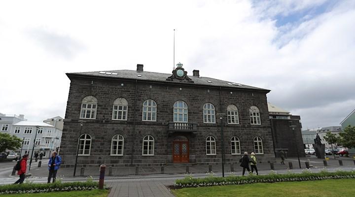 Avrupa'da ilk: İzlanda parlamentosunda kadın milletvekili sayısı erkekleri geçti