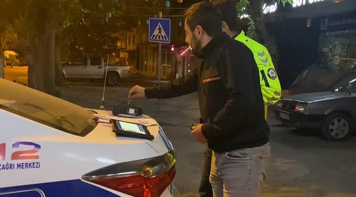 Ehliyetsiz ve alkollü sürücü, alkolmetreyi POS cihazı sanıp ödeme yapmaya çalıştı