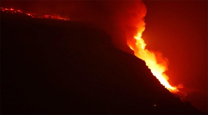 La Palma'da yanardağın püskürttüğü lavlar 10 günde Atlas Okyanusu'na vardı