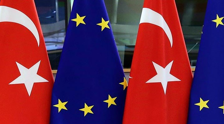 """Yunanistan Göç Bakanı'ndan AB'ye, """"Türkiye'ye vizesiz seyahat sözünüzü yerine getirin'' çağrısı"""