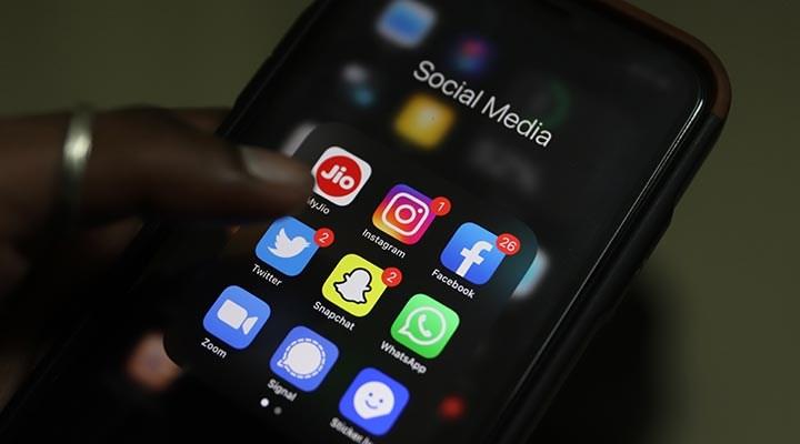 Emniyetten gençlere: Sosyal medya kullanım süresini azaltın