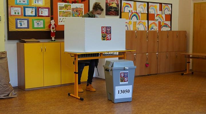 Çekya'da seçimleri muhalefet ittifakı kazandı