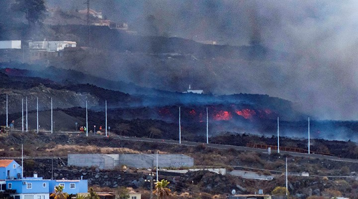 La Palma'da lavların yok ettiği bina sayısı 419'a ulaştı