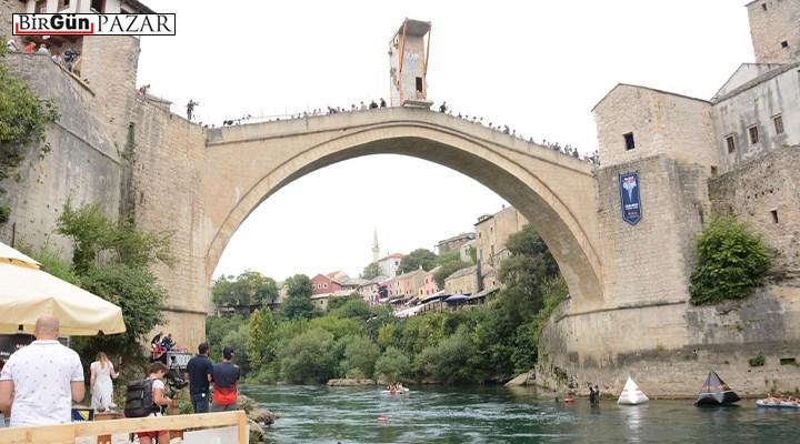 Yaşamın tanığı Köprülere Şiirler