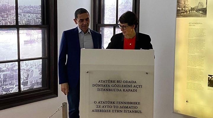 Özlem Türeci ve Uğur Şahin, Atatürk'ün Selanik'teki evini ziyaret etti