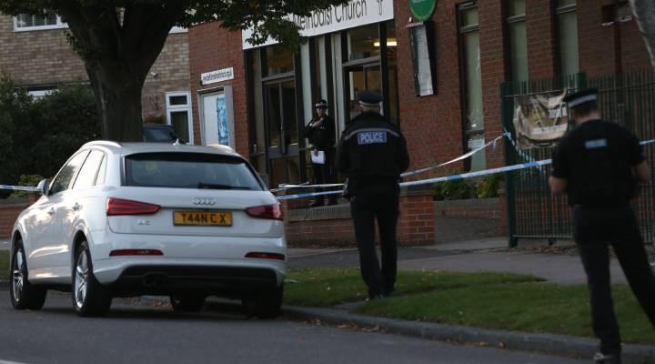 İngiltere'de bıçaklı saldırıya uğrayan milletvekili hayatını kaybetti