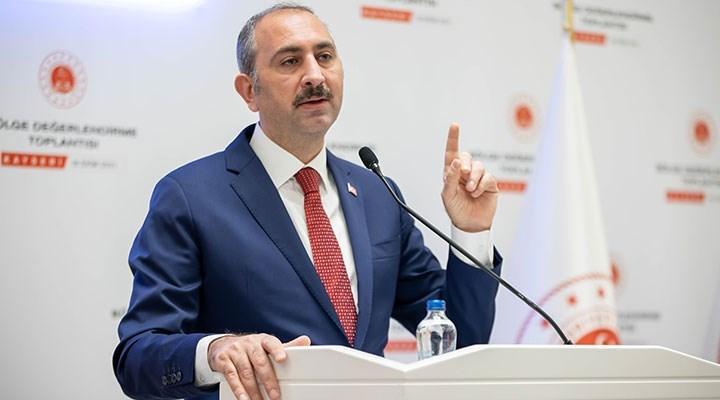 Gül: Diplomatlar, kabul edildikleri devletin hukukuna saygıyla mükelleftir