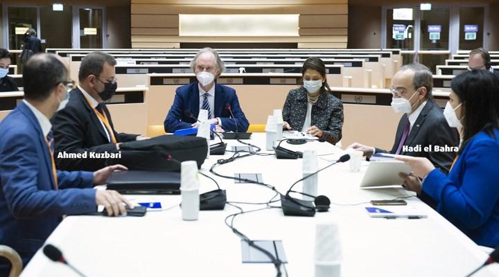 Suriye Anayasa Komitesi görüşmesi: Taraflar ilk kez aynı masaya oturdu