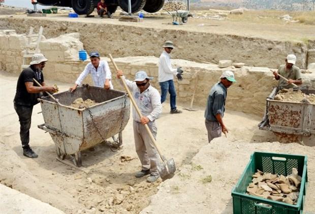 tripolis-antik-kenti-nde-45-metrelik-sokak-bulundu-497098-1.