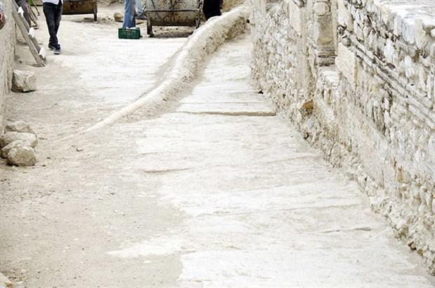 tripolis-antik-kenti-nde-45-metrelik-sokak-bulundu-497099-1.