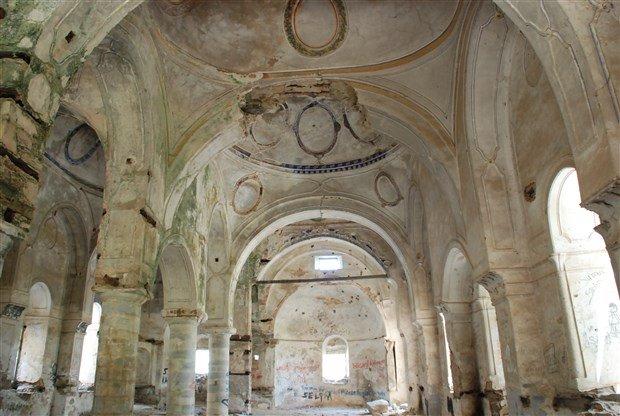 aziz-nikolas-kilisesi-gun-gectikce-yok-oluyor-499866-1.