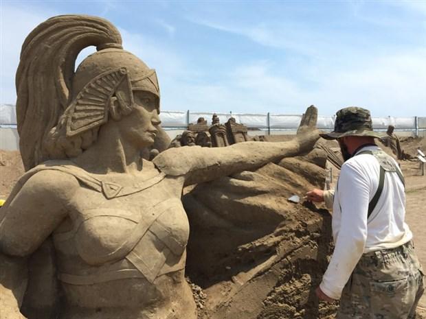 kum-heykeller-yogun-ilgi-goruyor-500483-1.