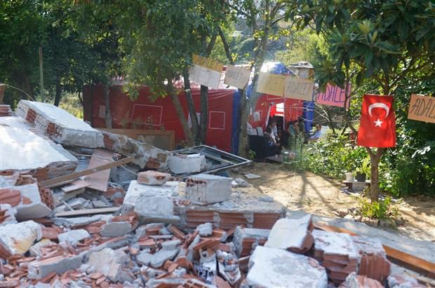 tapu-beklerken-evleri-yikilan-vatandaslar-cadirlarda-yasiyor-500515-1.