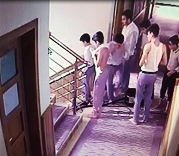 merdivenden-dustukten-sonra-oglu-olen-anne-doverek-oldurmusler-504047-1.