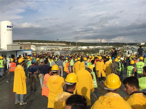 3-havalimani-nda-isciler-is-birakti-510132-1.