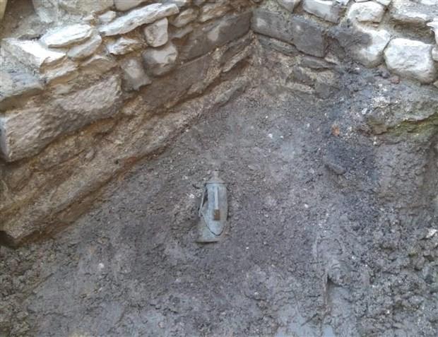 italya-da-eski-bir-sinemada-1500-yillik-altin-sikkeler-bulundu-510187-1.