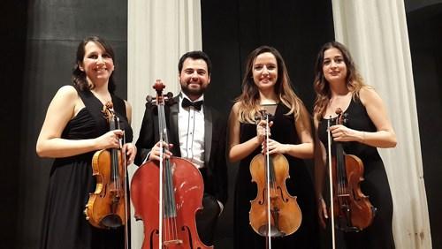 cagdas-bir-roman-klasik-muzik-eserine-donustu-515907-1.