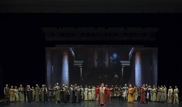troya-efsanesi-devlet-opera-ve-balesi-ile-sahnede-hayat-buluyor-528942-1.