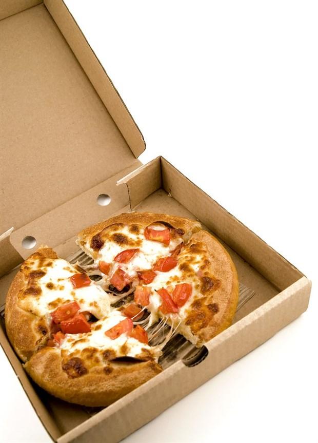 yuvarlak-pizzalar-neden-kare-kutularda-servis-edilir-531709-1.