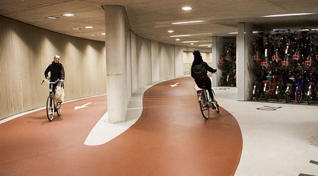 hollanda-da-yilda-yaklasik-15-milyar-kilometre-yol-katediliyor-535764-1.