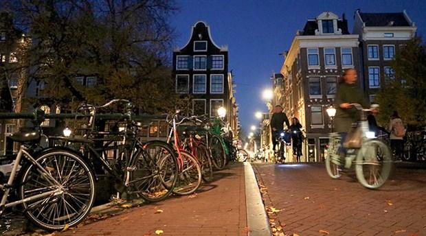 hollanda-da-yilda-yaklasik-15-milyar-kilometre-yol-katediliyor-535767-1.