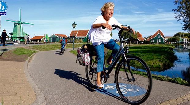 hollanda-da-yilda-yaklasik-15-milyar-kilometre-yol-katediliyor-535768-1.