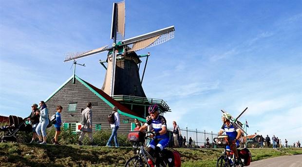 hollanda-da-yilda-yaklasik-15-milyar-kilometre-yol-katediliyor-535769-1.
