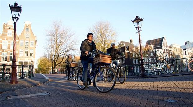 hollanda-da-yilda-yaklasik-15-milyar-kilometre-yol-katediliyor-535774-1.