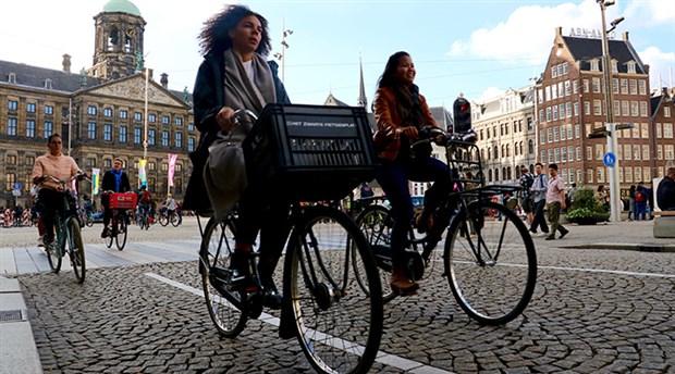 hollanda-da-yilda-yaklasik-15-milyar-kilometre-yol-katediliyor-535776-1.