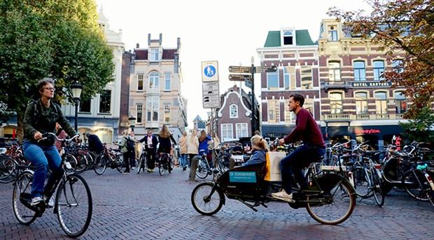hollanda-da-yilda-yaklasik-15-milyar-kilometre-yol-katediliyor-535777-1.