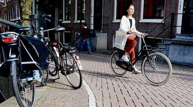 hollanda-da-yilda-yaklasik-15-milyar-kilometre-yol-katediliyor-535784-1.