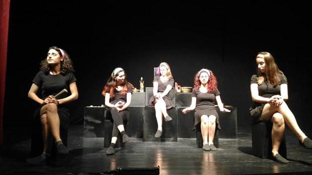 izmir-tiyatro-festivali-nde-cocuklara-armagan-542093-1.