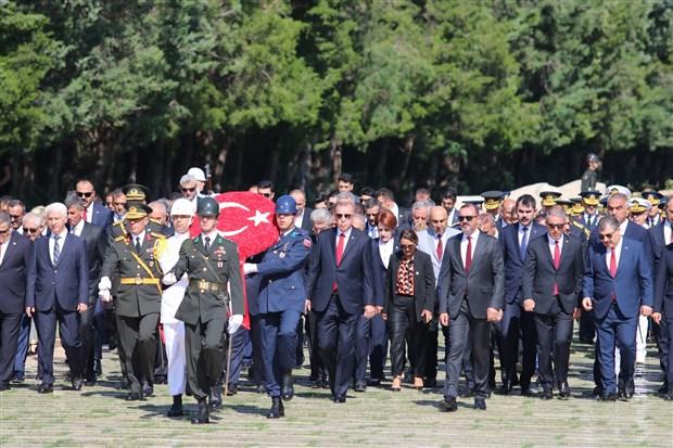 turkiye-de-zafer-bayrami-kutlamalari-618294-1.
