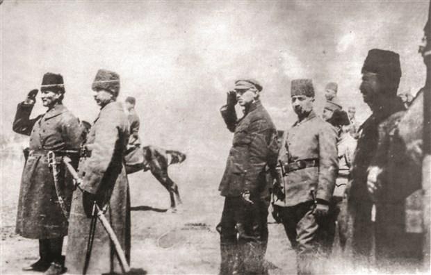 30-agustos-ve-9-eylul-turkiye-cumhuriyeti-nin-zafer-sahlanisidir-620087-1.