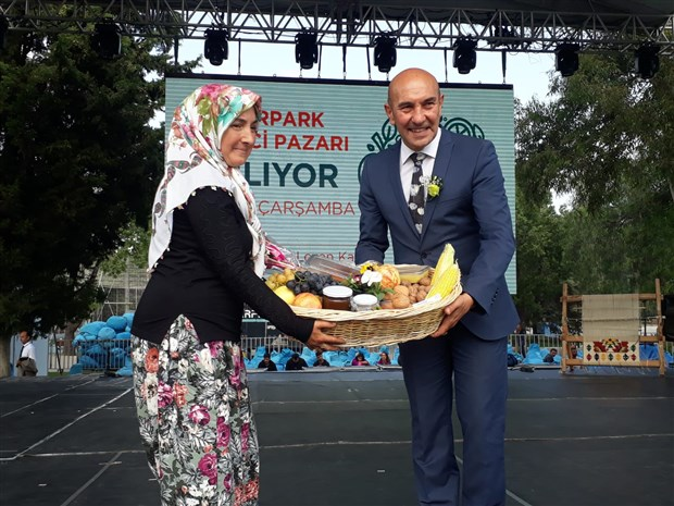 3-izmir-tarim-festivali-basladi-kulturpark-uretici-pazari-acildi-637854-1.