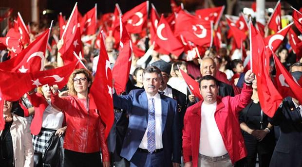 izmir-de-cumhuriyet-bayrami-kutlaniyor-642742-1.
