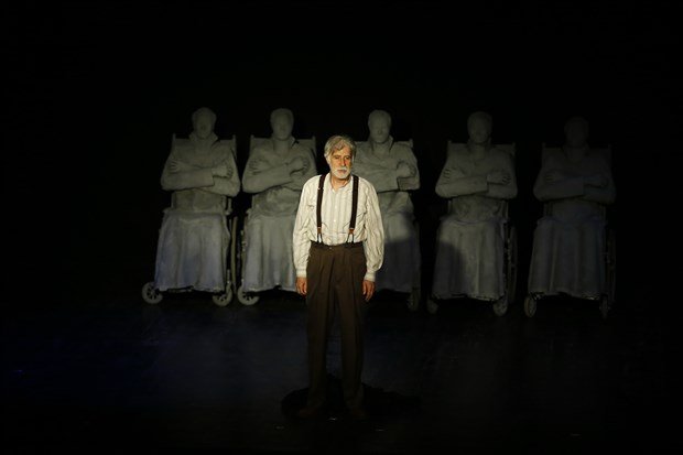 tiyatronun-beyefendisi-haldun-taner-646597-1.