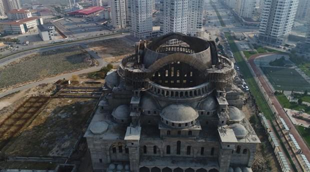 turkiye-nin-en-buyuk-ikinci-camisinde-enkaz-altinda-kalan-muhendis-araniyor-30-saat-geride-kaldi-650000-1.