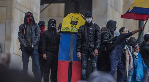 protesto-dalgasinin-son-duragi-kolombiya-yuzbinler-sokakta-652643-1.